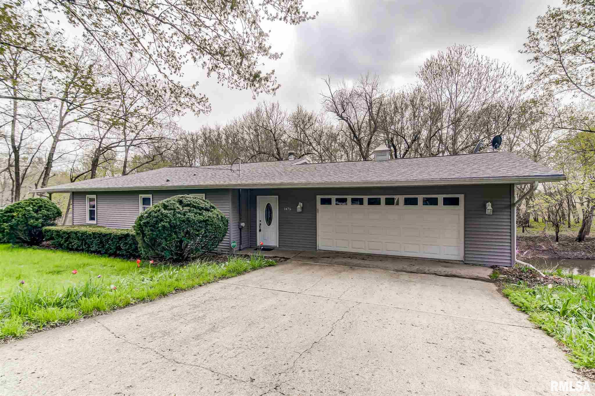 1475 N WALNUT Property Photo - Rochester, IL real estate listing