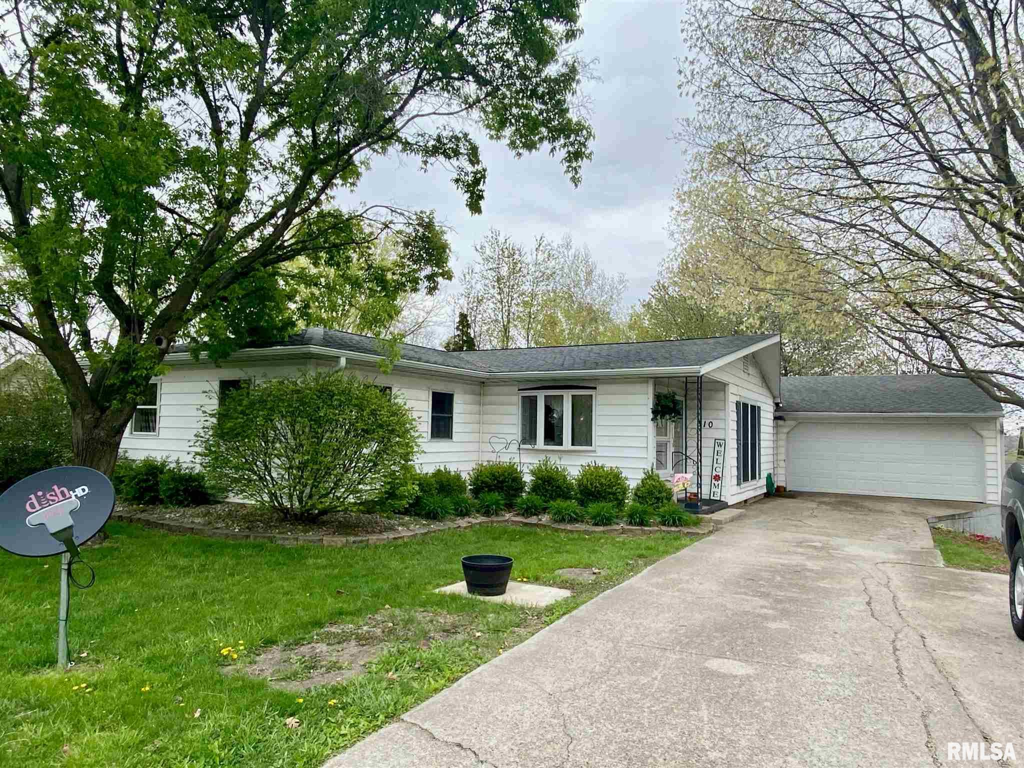 610 N 9TH Property Photo - Petersburg, IL real estate listing