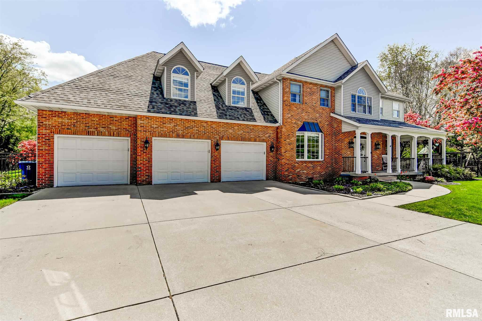 2 WOODLAND Property Photo - Rochester, IL real estate listing