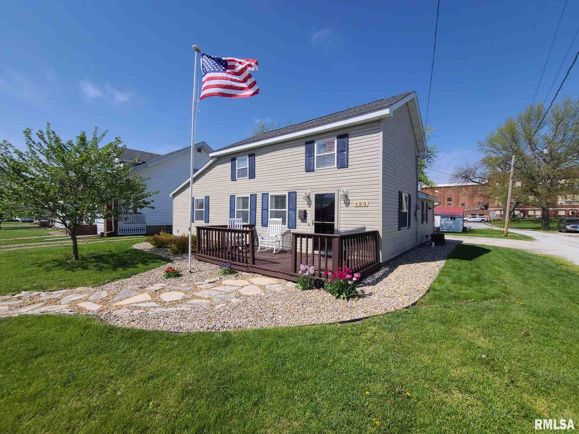 123 S MECHANIC Property Photo - Winchester, IL real estate listing