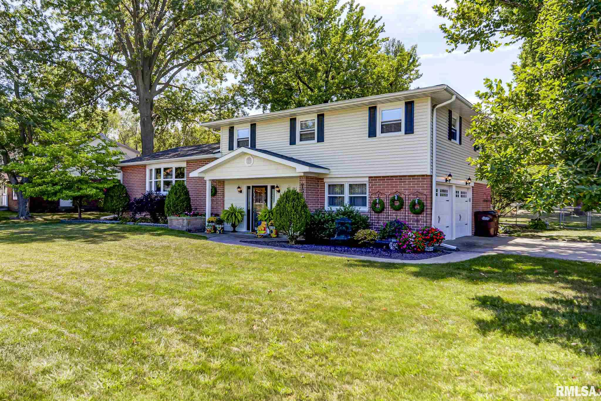 1510 W Main Cross Property Photo - Taylorville, IL real estate listing