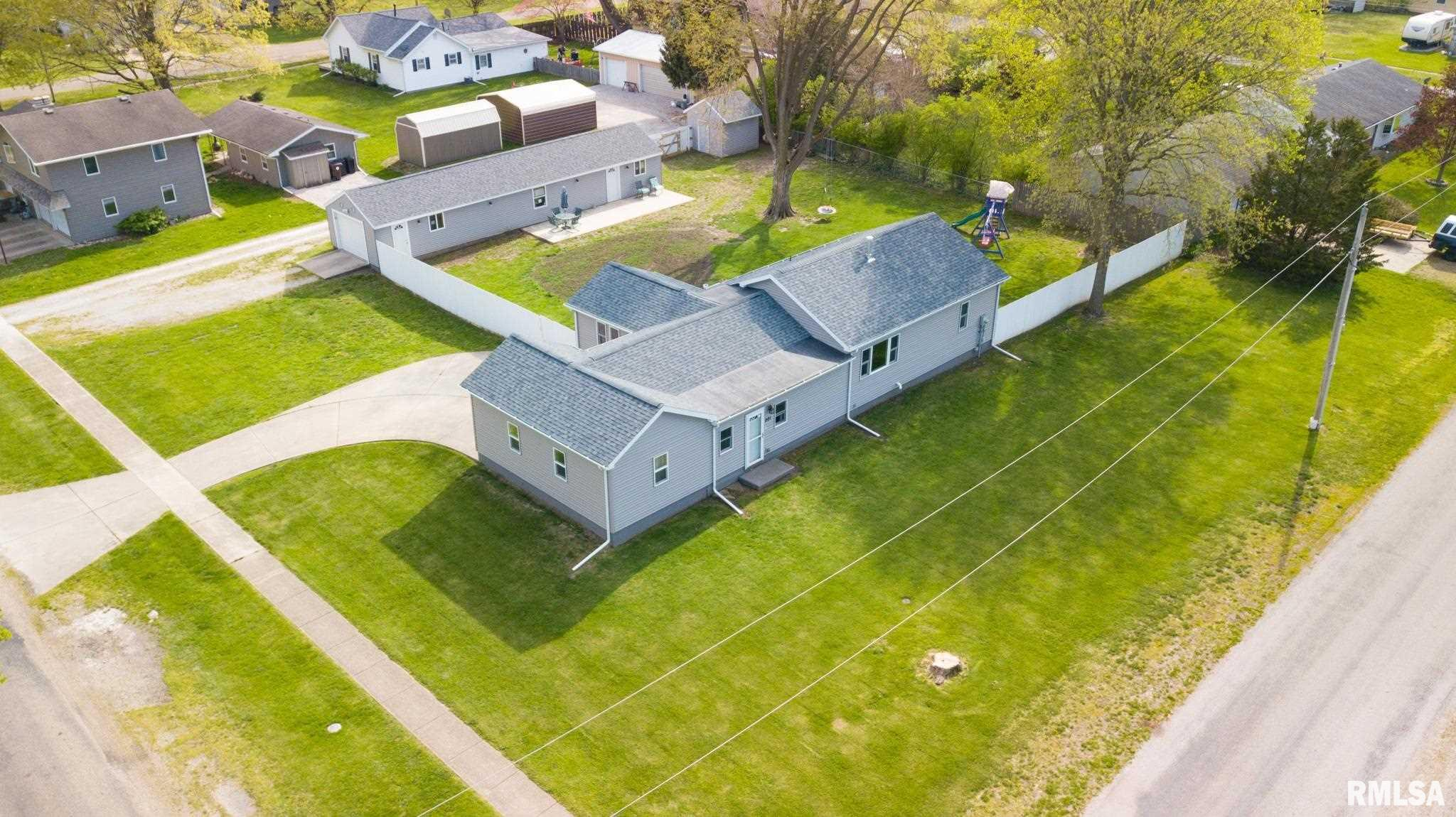 201 W CHARLES Property Photo - McLean, IL real estate listing