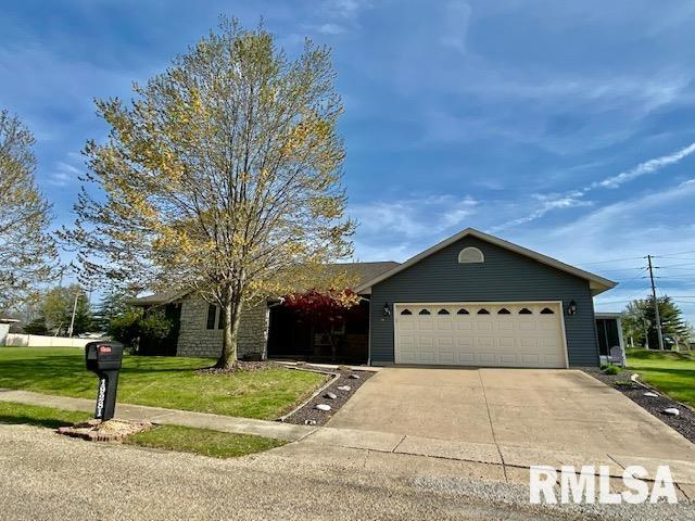 19281 PINECREST Property Photo - Petersburg, IL real estate listing