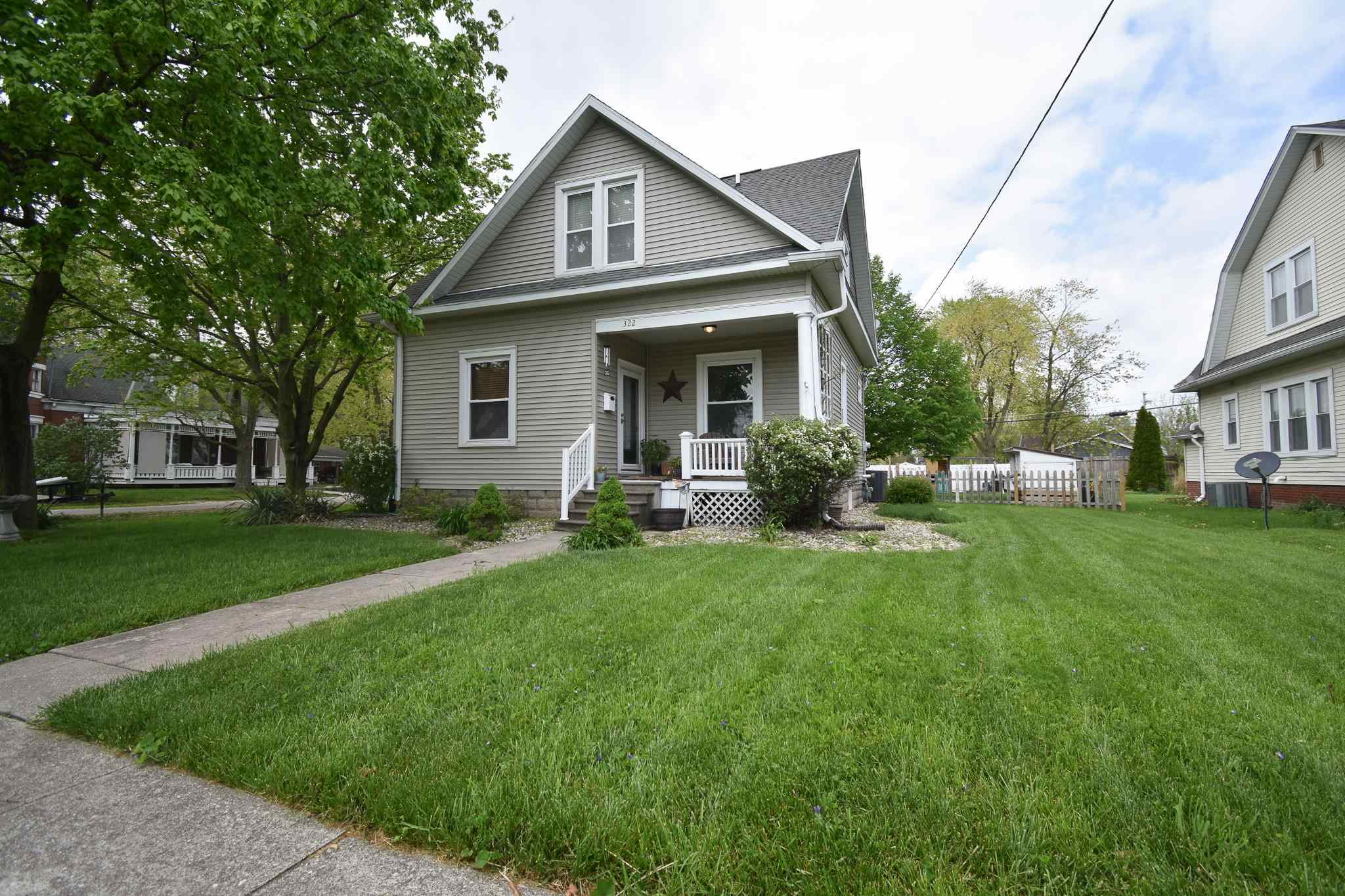322 W MADISON Property Photo - Girard, IL real estate listing
