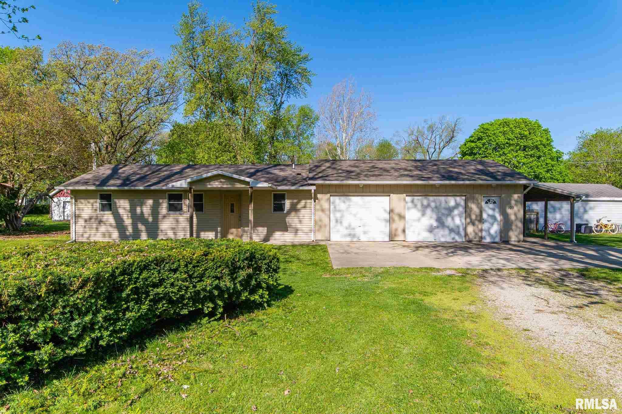 109 N Blatchford Property Photo - McLean, IL real estate listing
