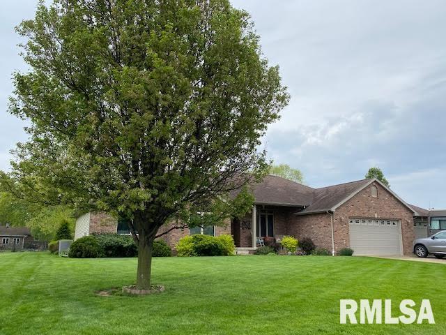 108 POPLAR Property Photo - Pleasant Plains, IL real estate listing