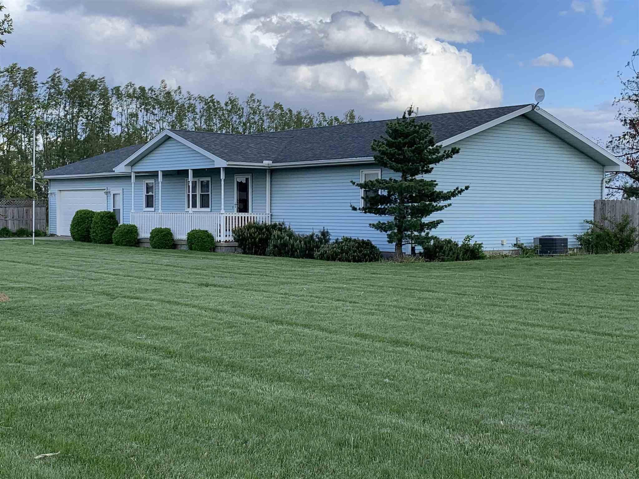 11038 WASHINGTON Property Photo - Clinton, IL real estate listing