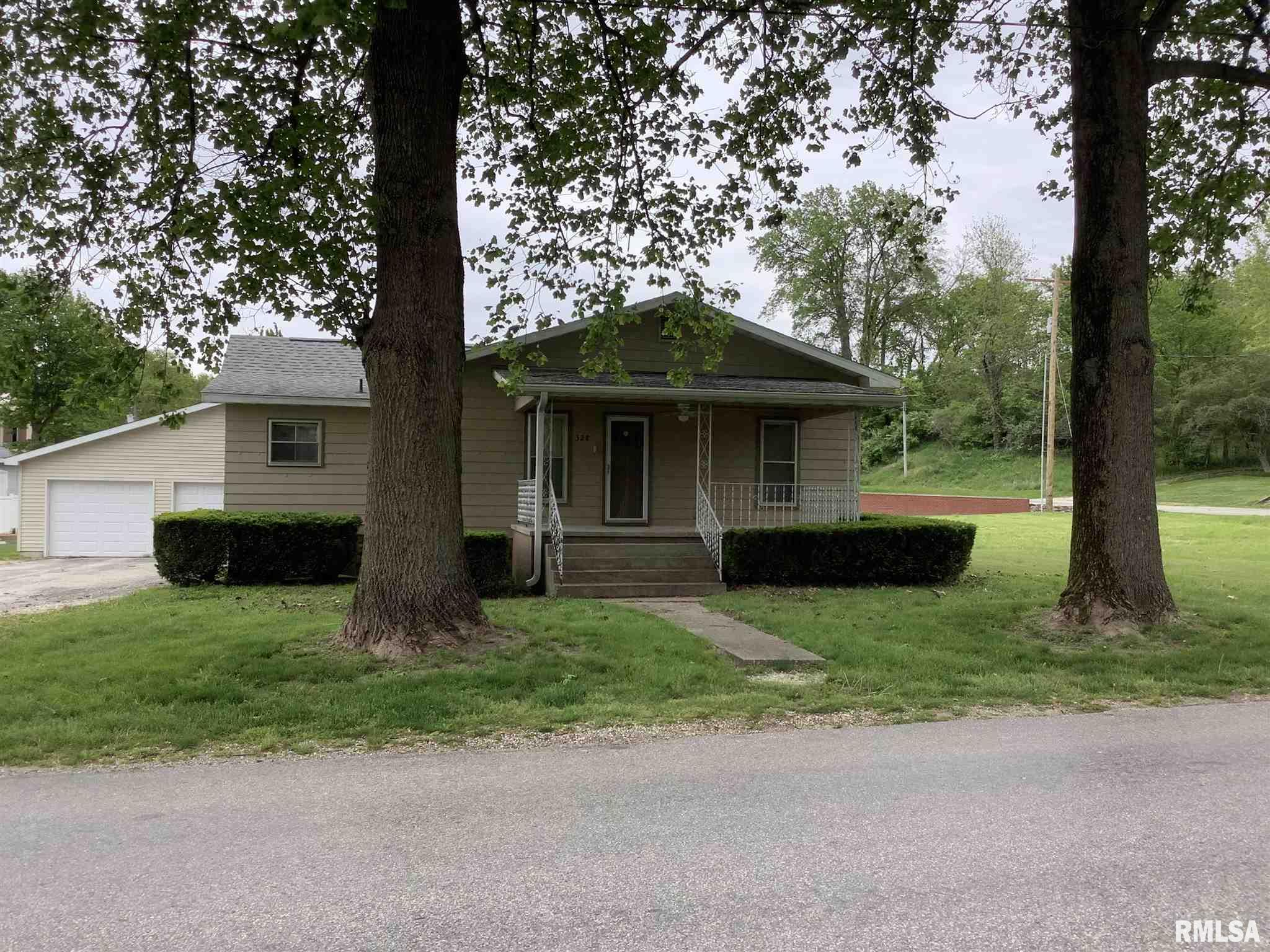 328 S PEARL Property Photo - Bluffs, IL real estate listing