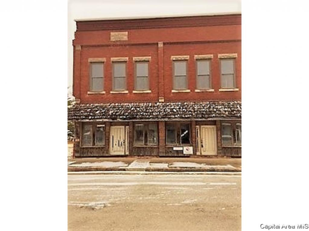 414 5TH ST Property Photo - Illiopolis, IL real estate listing