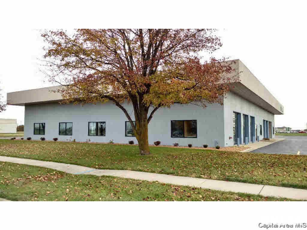 3040 Hamlin Drive Property Photo 1