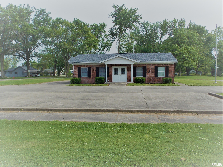 303 W POPLAR Property Photo - Odin, IL real estate listing