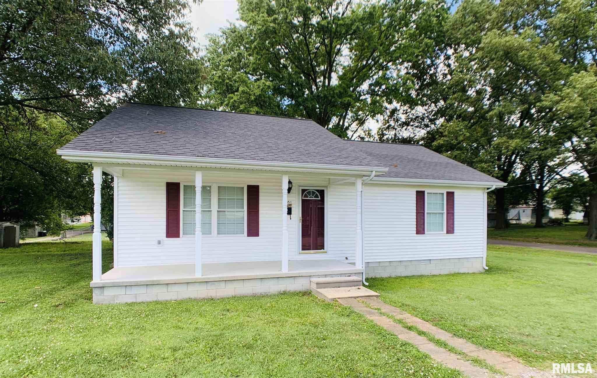 801 Bramlet Property Photo - Eldorado, IL real estate listing