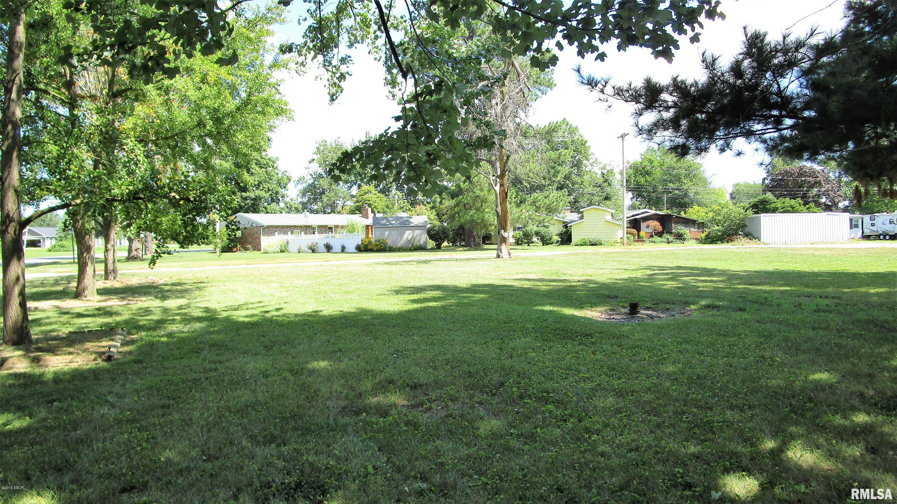 700 N MILL Property Photo - Flora, IL real estate listing