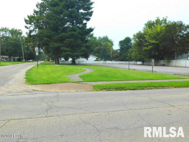 600 Block N COLLEGE Property Photo - Salem, IL real estate listing