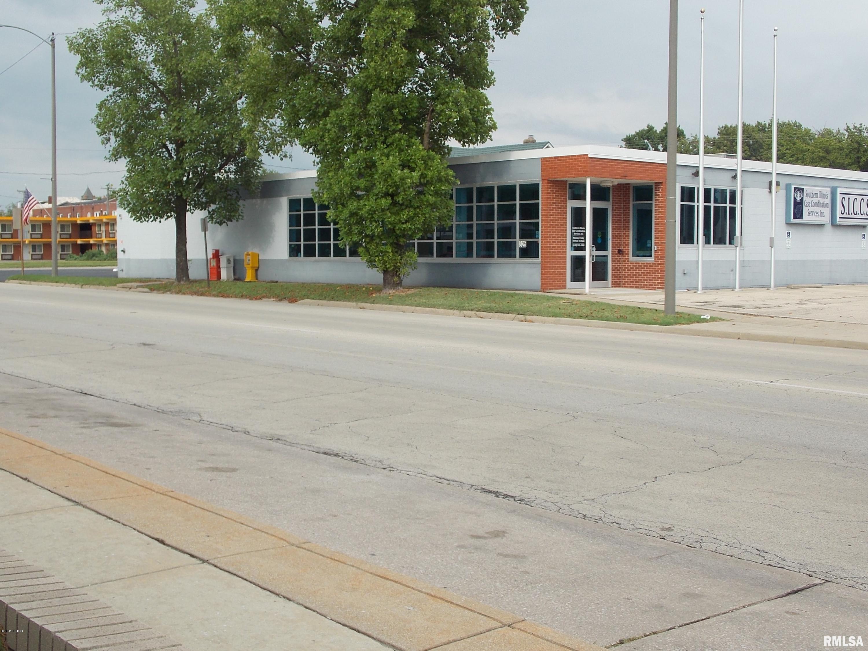 325 S POPLAR Property Photo - Centralia, IL real estate listing