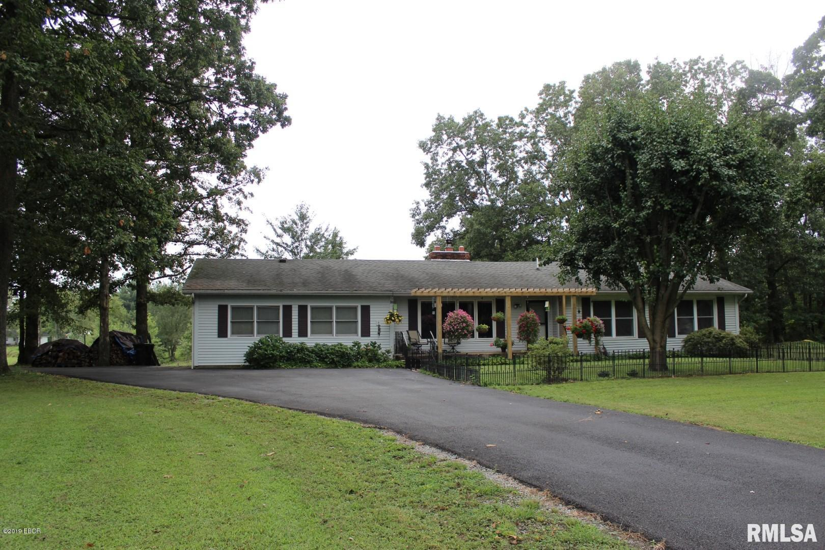 21044 Shawneetown Property Photo - Thompsonville, IL real estate listing