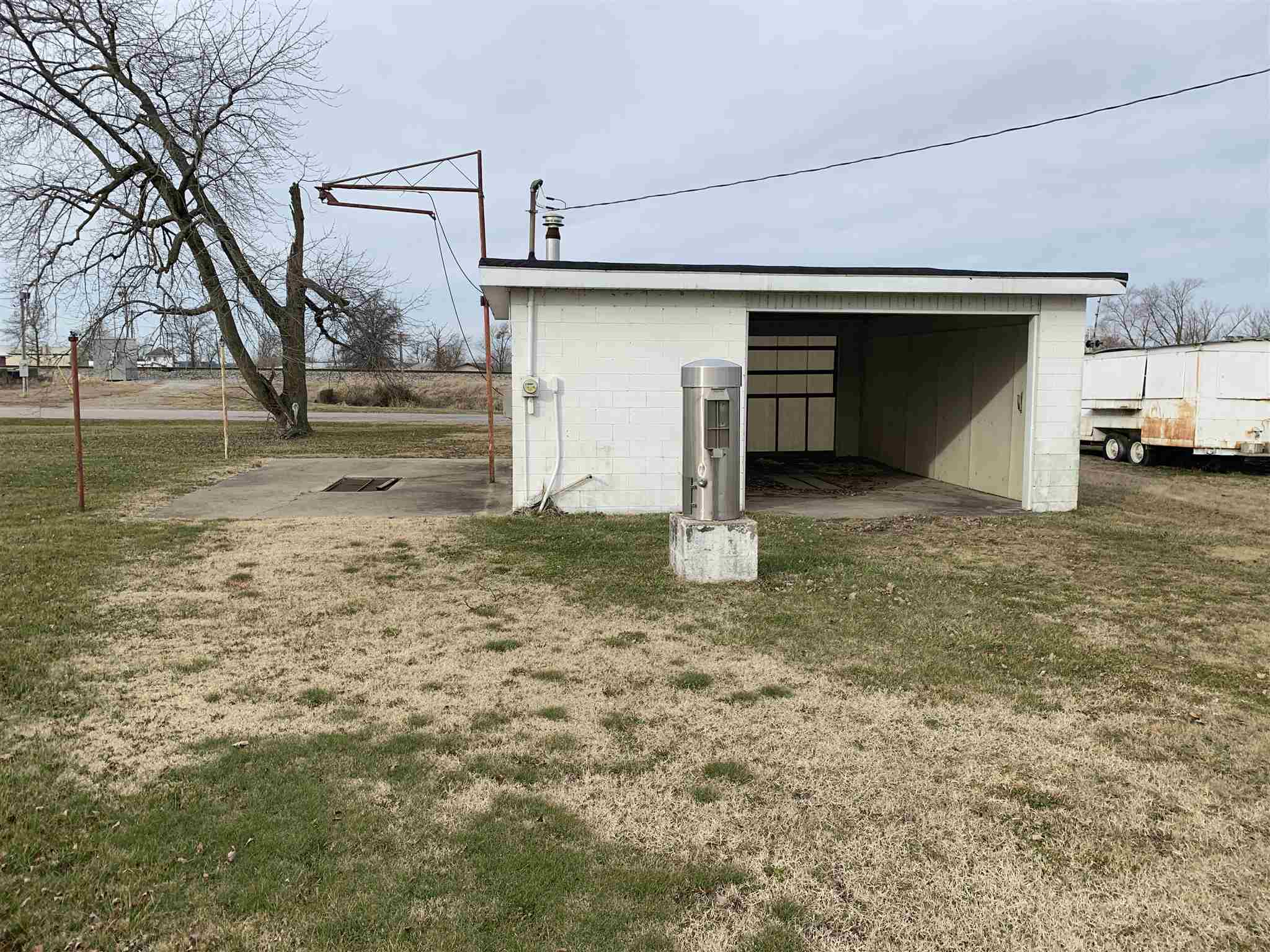 104 E Superior Property Photo - Irvington, IL real estate listing