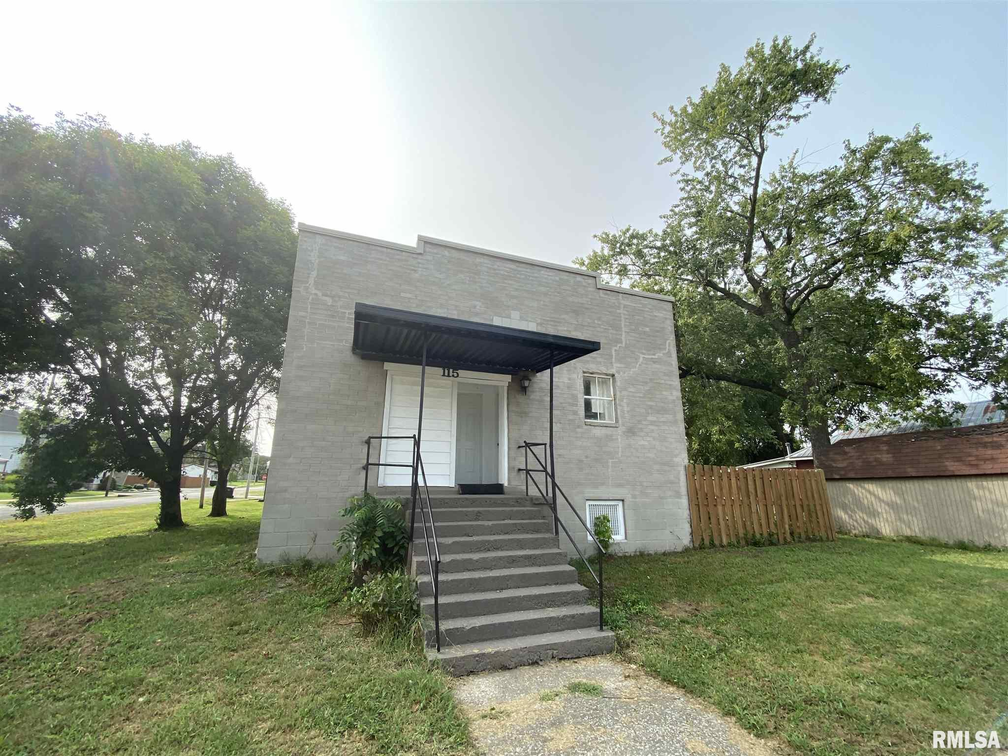115 S 4TH Property Photo - Coulterville, IL real estate listing