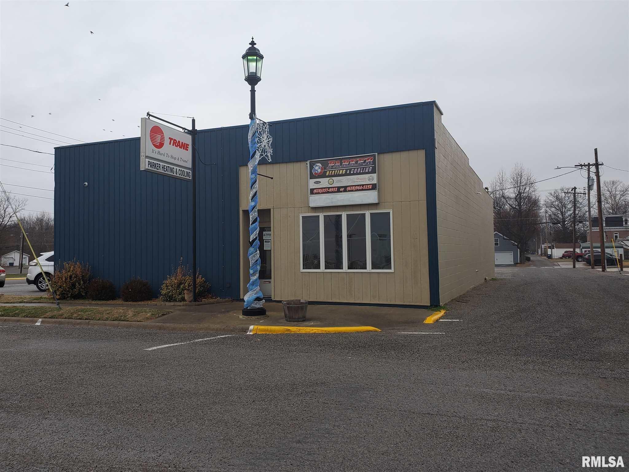 9 W JACKSON Property Photo - Pinckneyville, IL real estate listing