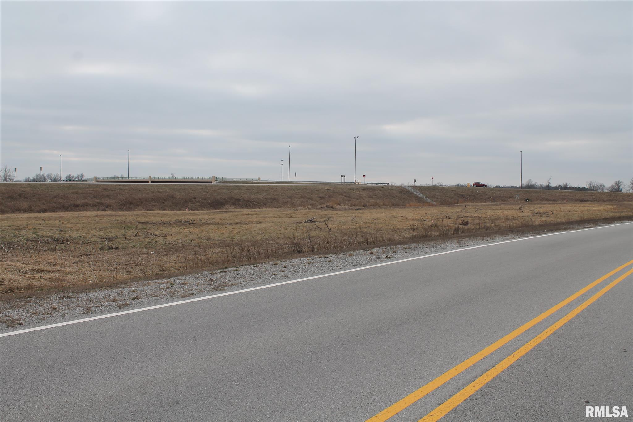 0004 N Frontage Road Property Photo 1