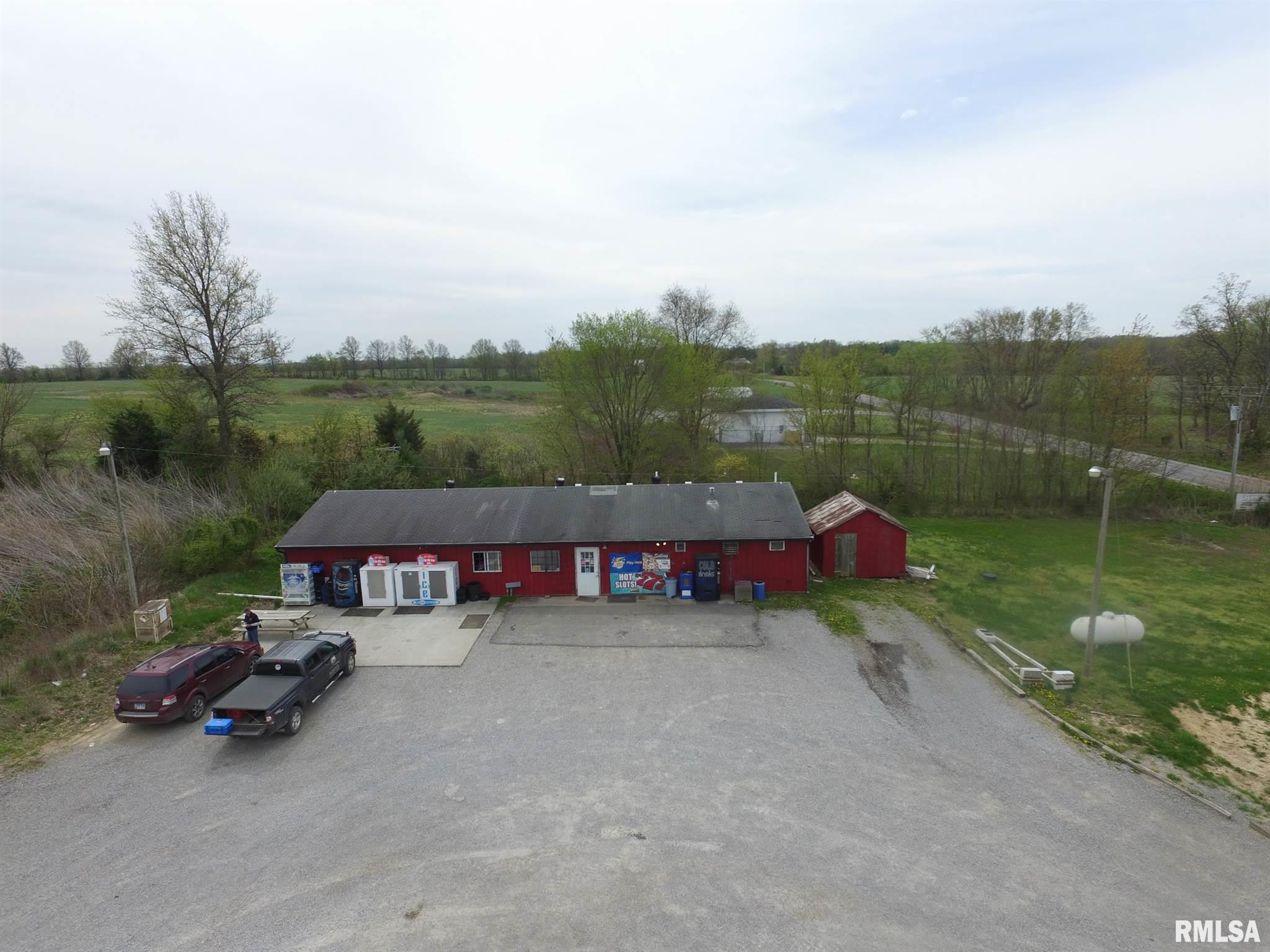 268 County Highway 16 Property Photo - Xenia, IL real estate listing
