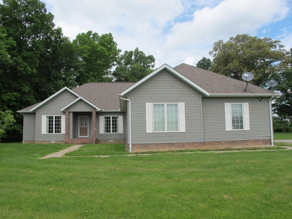 7865 Grassy Property Photo - Carbondale, IL real estate listing