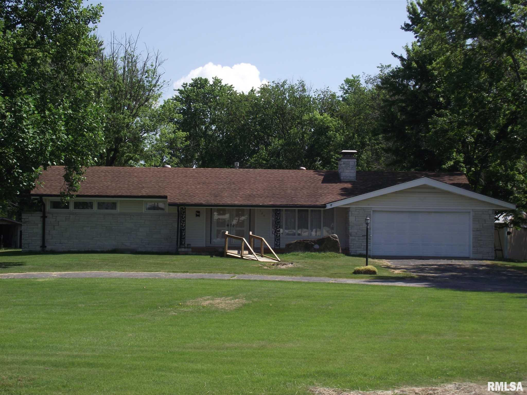 124 American Way Property Photo 1