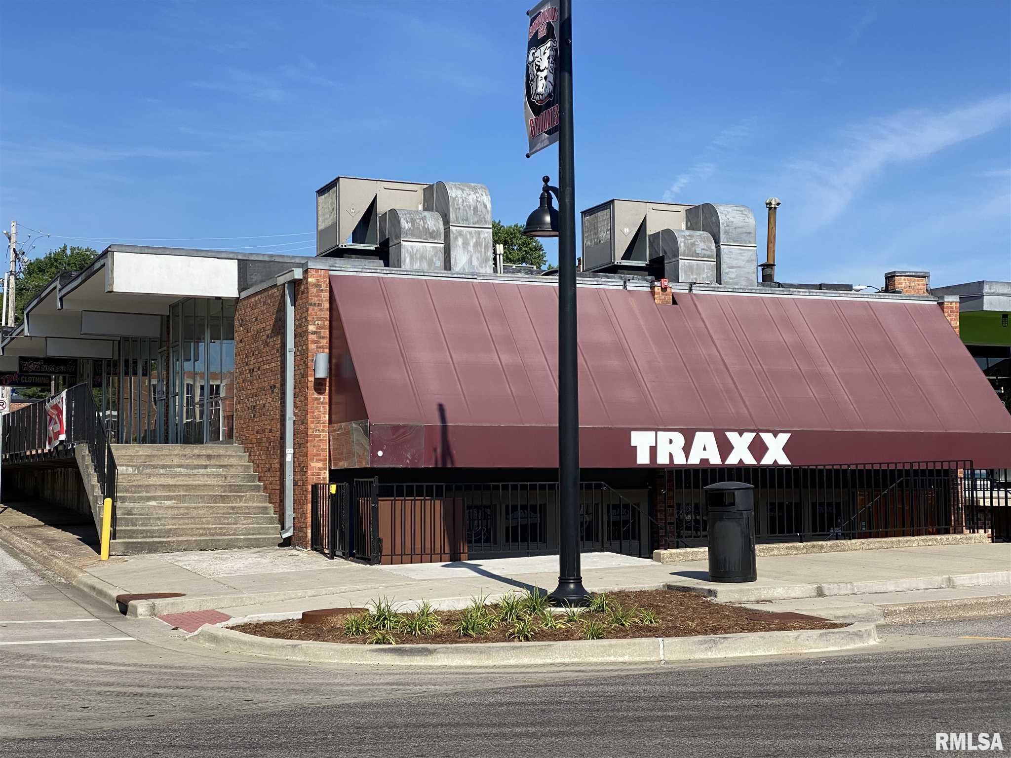 608-610 S ILLINOIS Avenue Property Photo 1