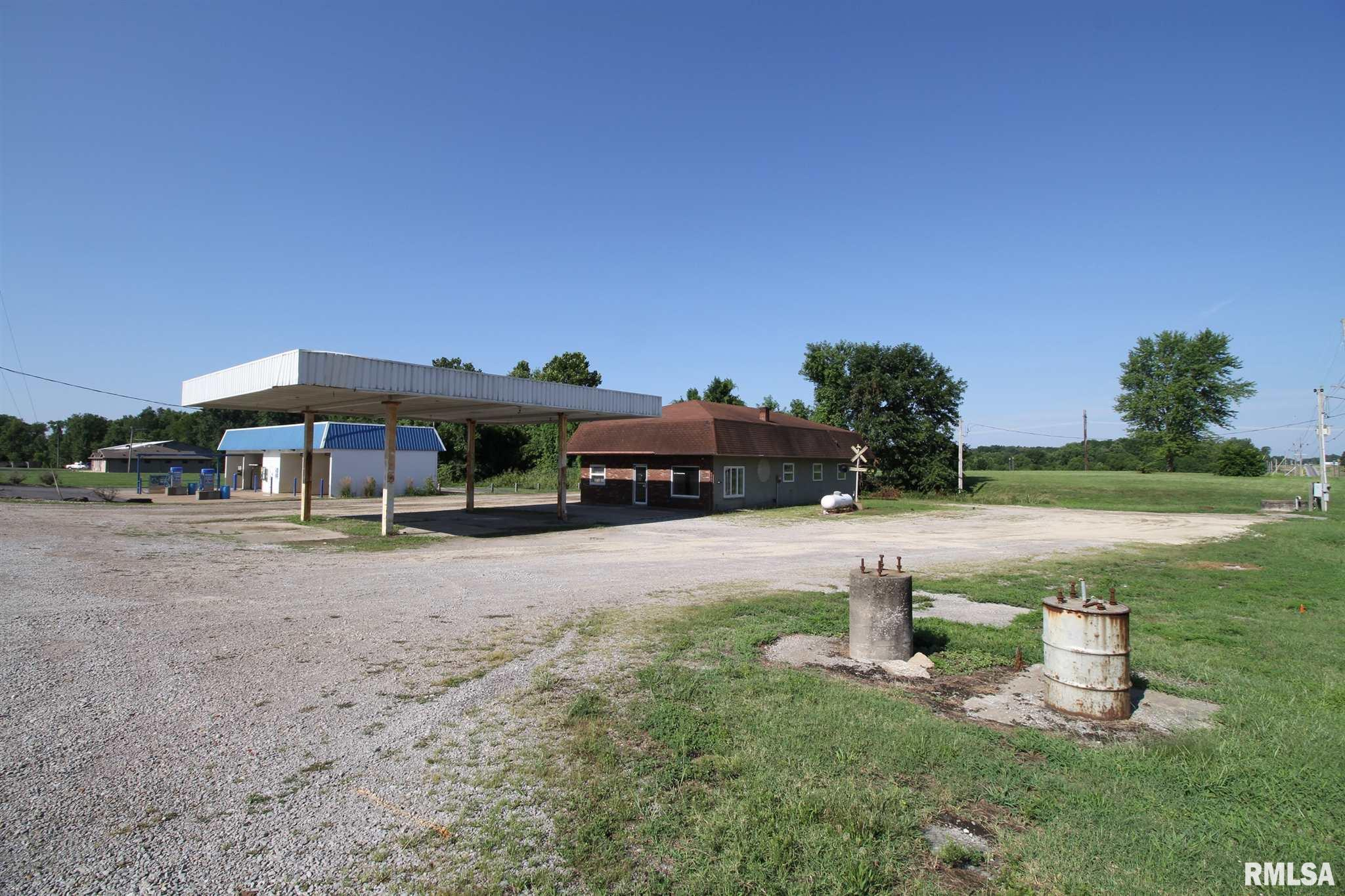 1 WESTWOOD Property Photo - Steeleville, IL real estate listing
