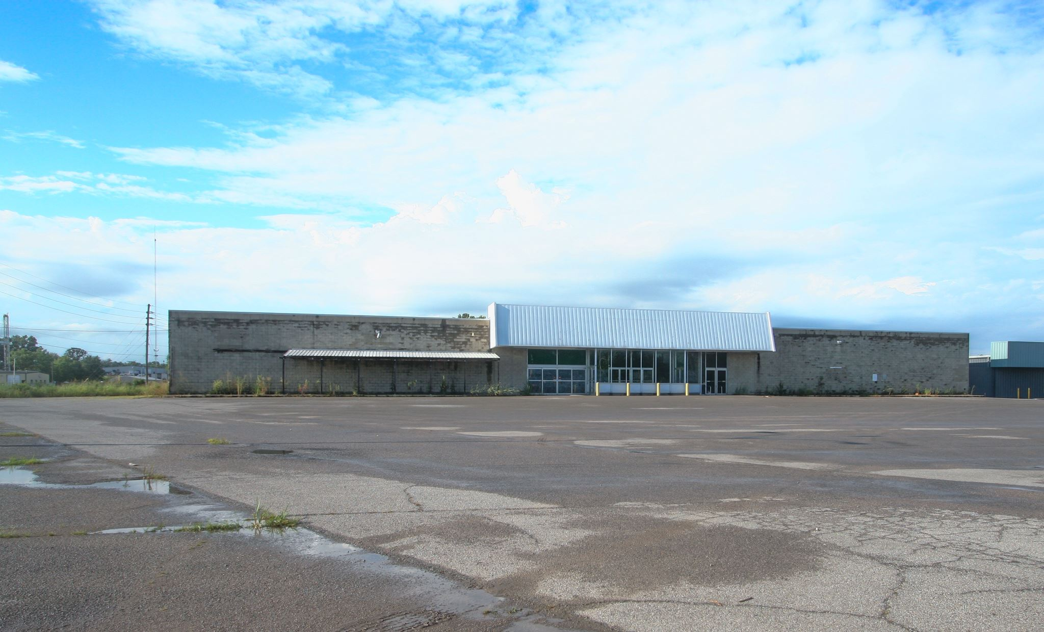 1704 W MAIN Property Photo - Carmi, IL real estate listing