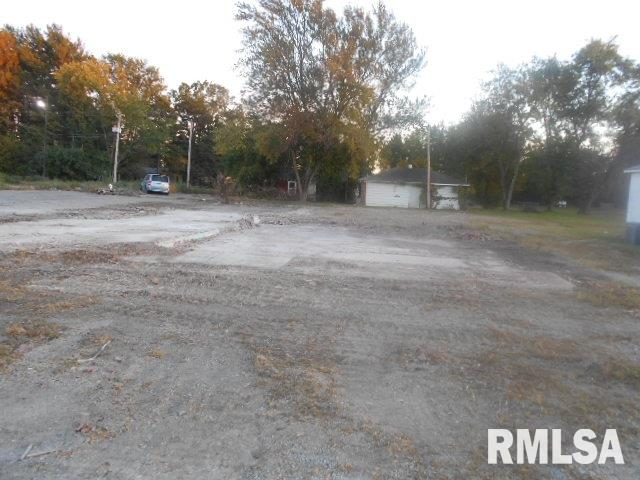 1209 US 45 Property Photo - Eldorado, IL real estate listing