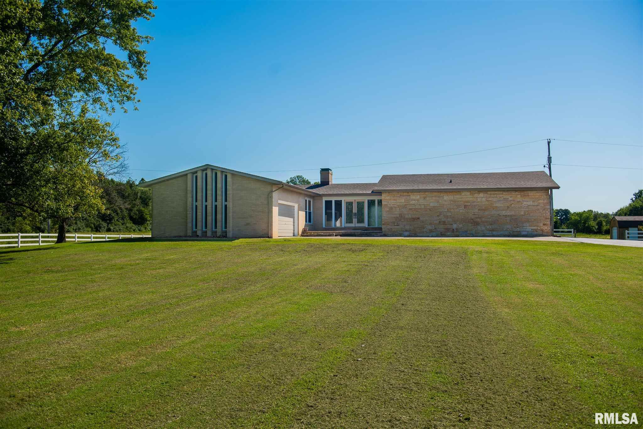 90 Golf Course Rd Property Photo - Eldorado, IL real estate listing
