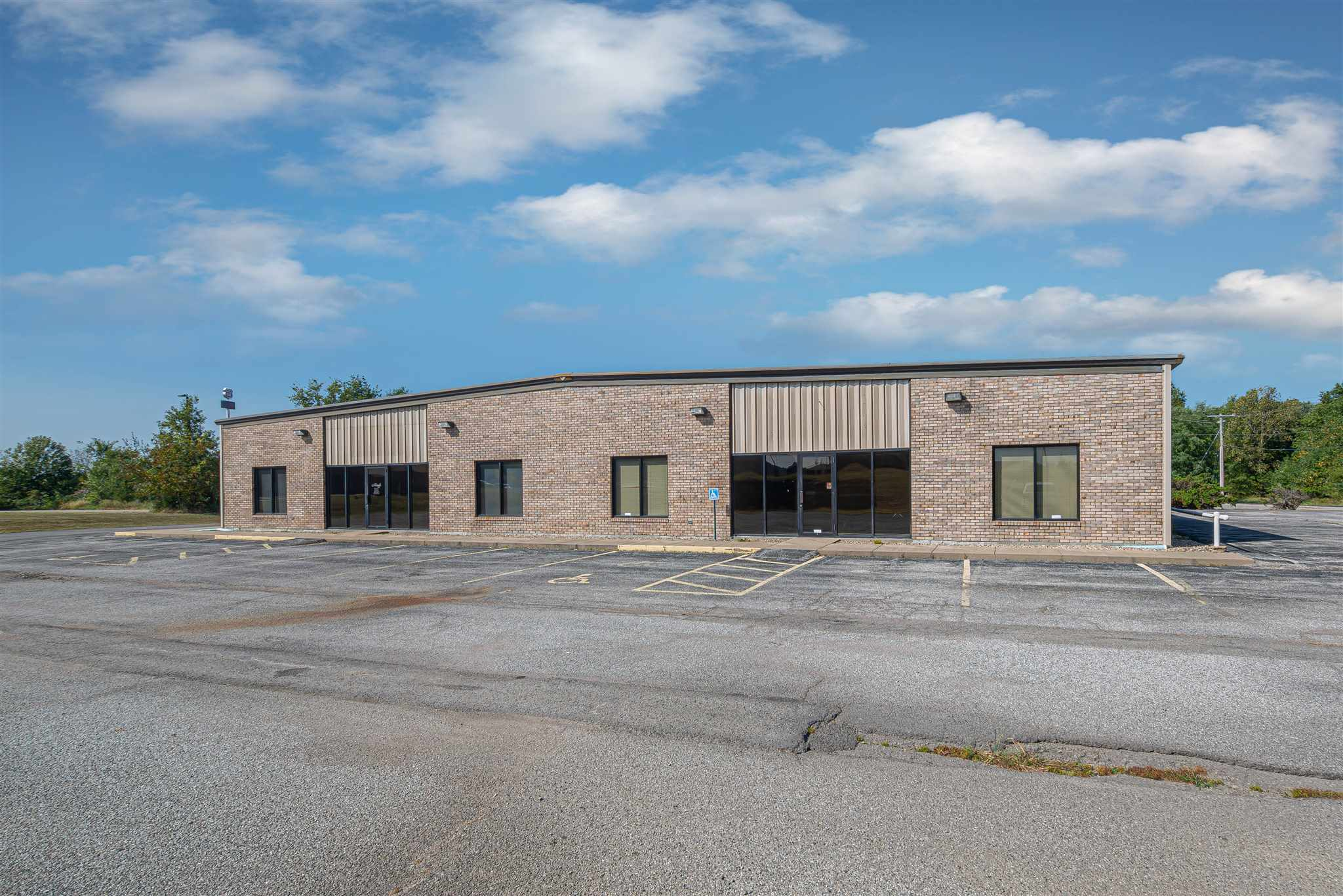 4201 Ilberry Property Photo - Mt Vernon, IL real estate listing