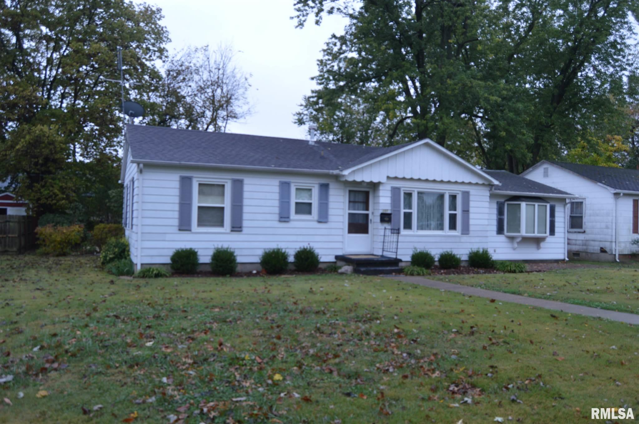 107 E FAIR Property Photo - Carmi, IL real estate listing
