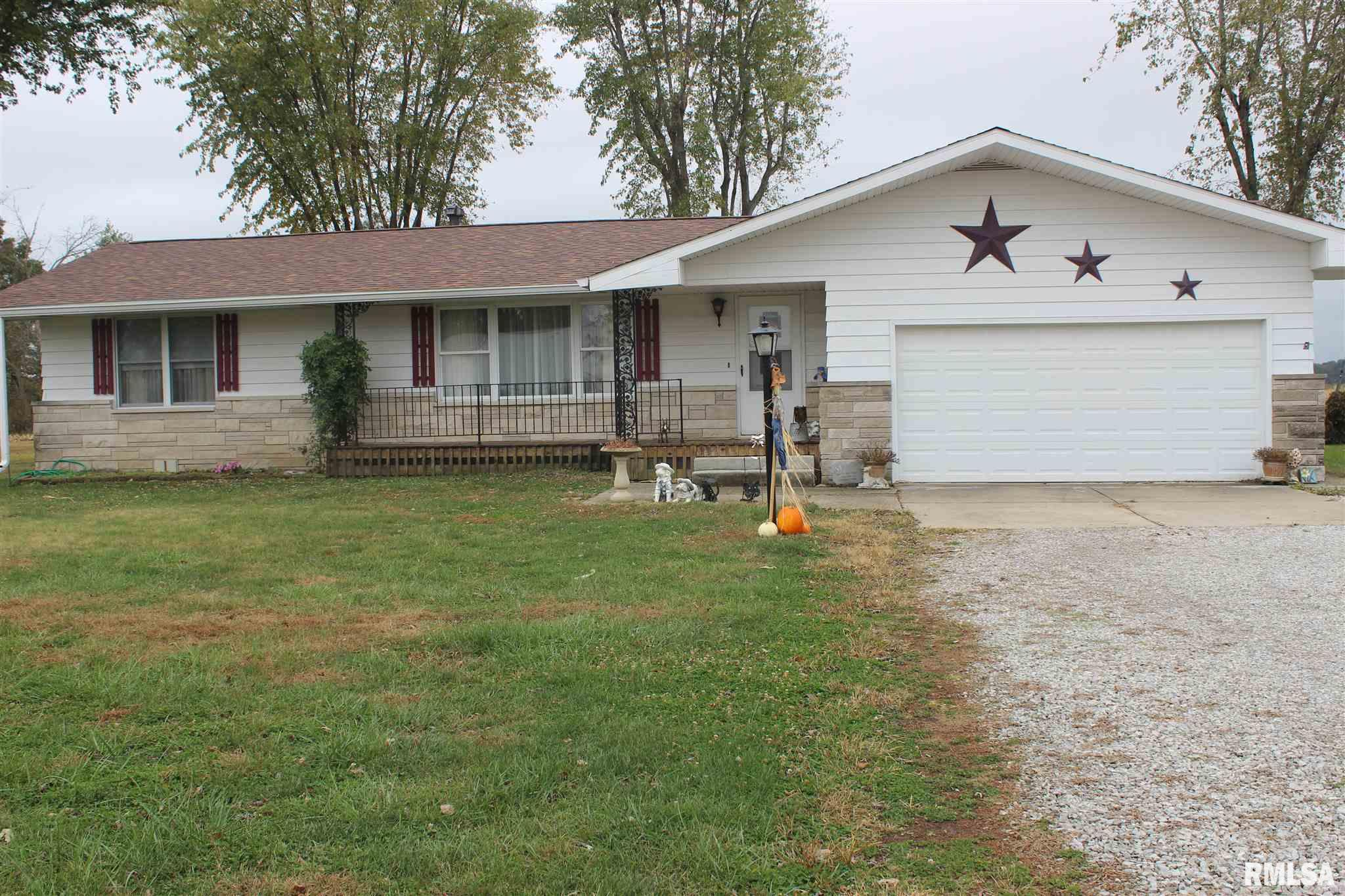 612 W POPLAR Property Photo - Odin, IL real estate listing