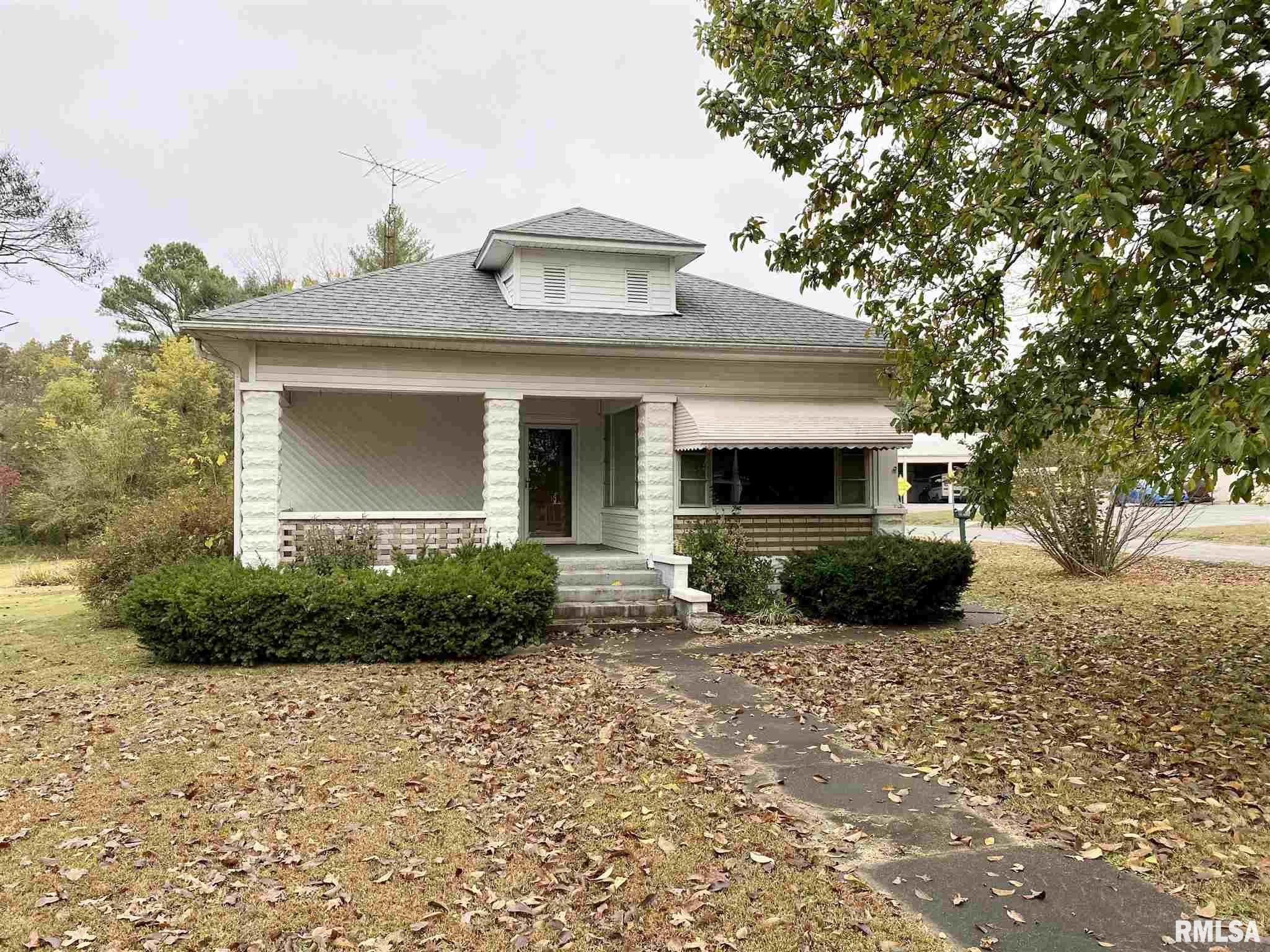 3869 THOMPSON Property Photo - Thompsonville, IL real estate listing