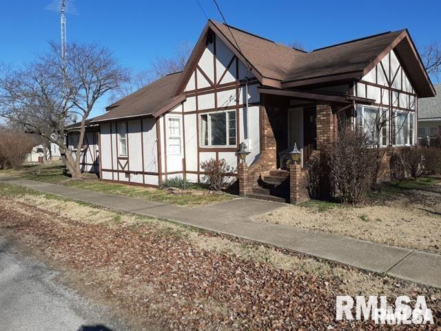 311 W HELEN Property Photo - Christopher, IL real estate listing