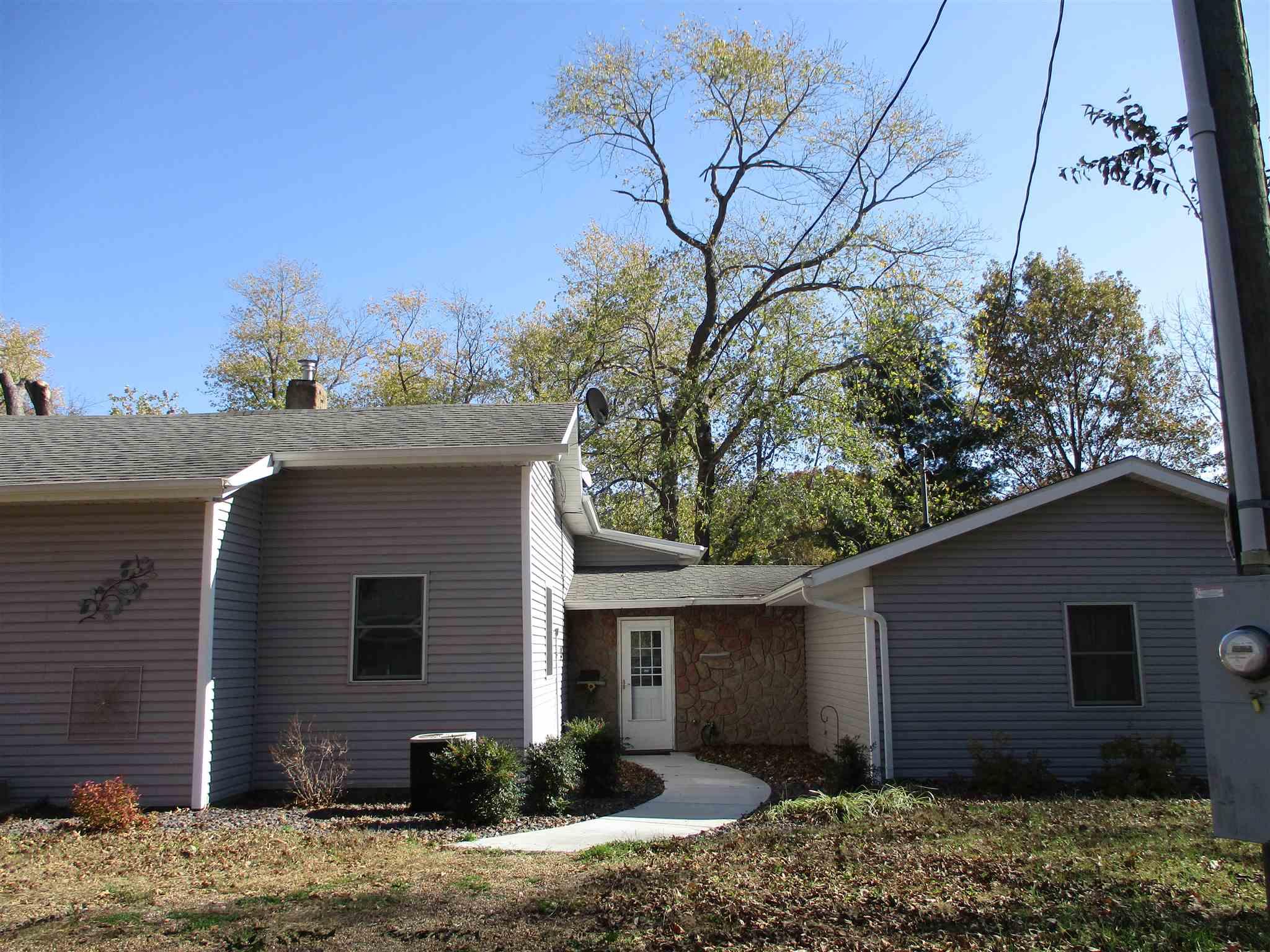 62986 Real Estate Listings Main Image