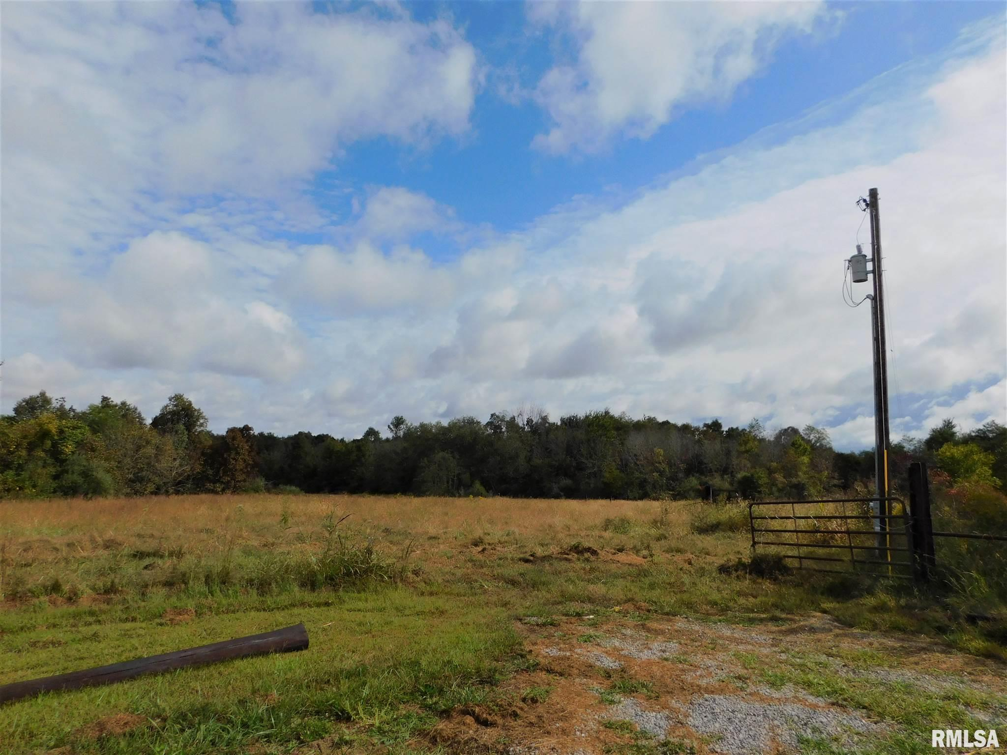 3017 County Road 100 N Property Photo - Thompsonville, IL real estate listing