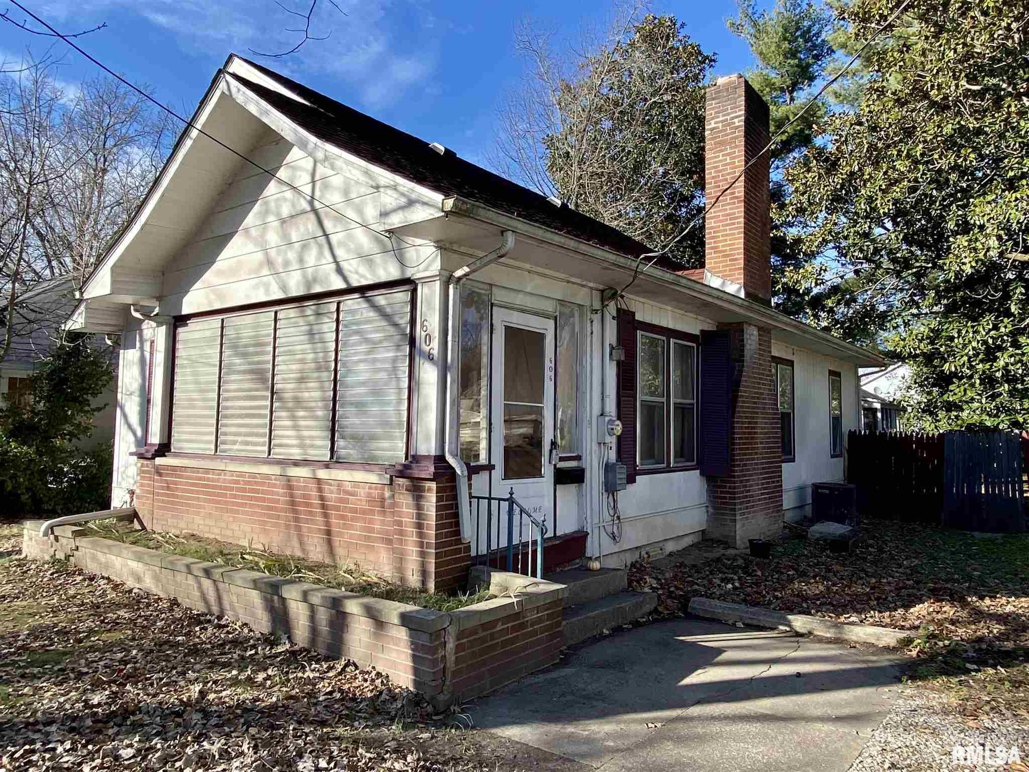 606 W Walnut Street Property Photo 1
