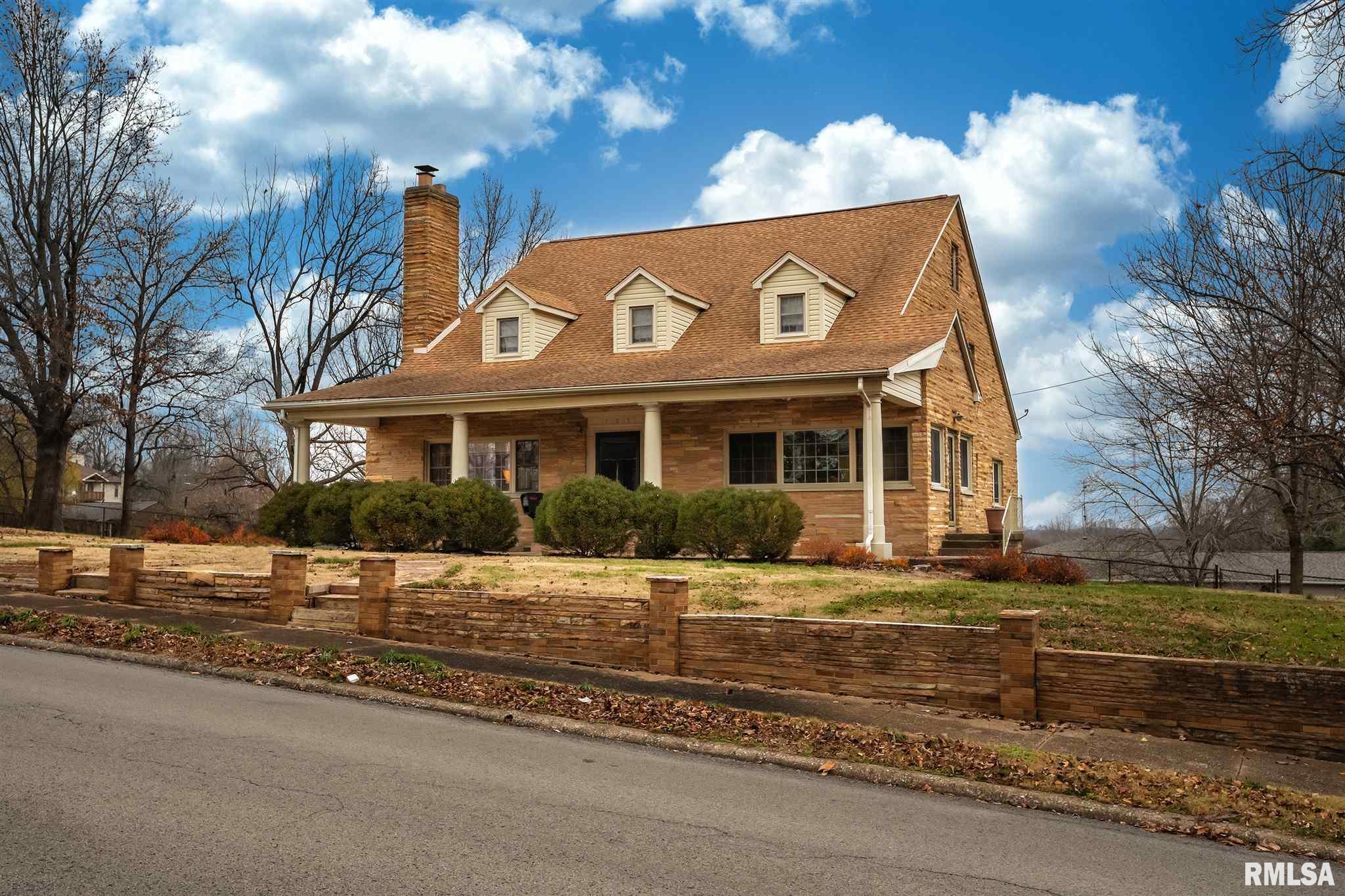 105 N Benton Road Property Photo 1