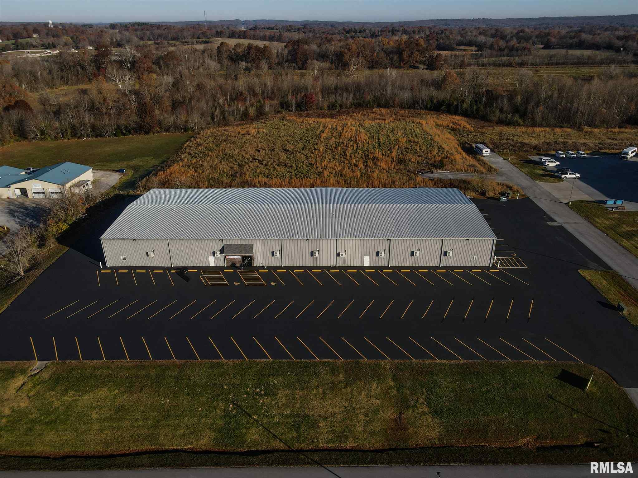 45 COMMERCIAL Property Photo - Vienna, IL real estate listing
