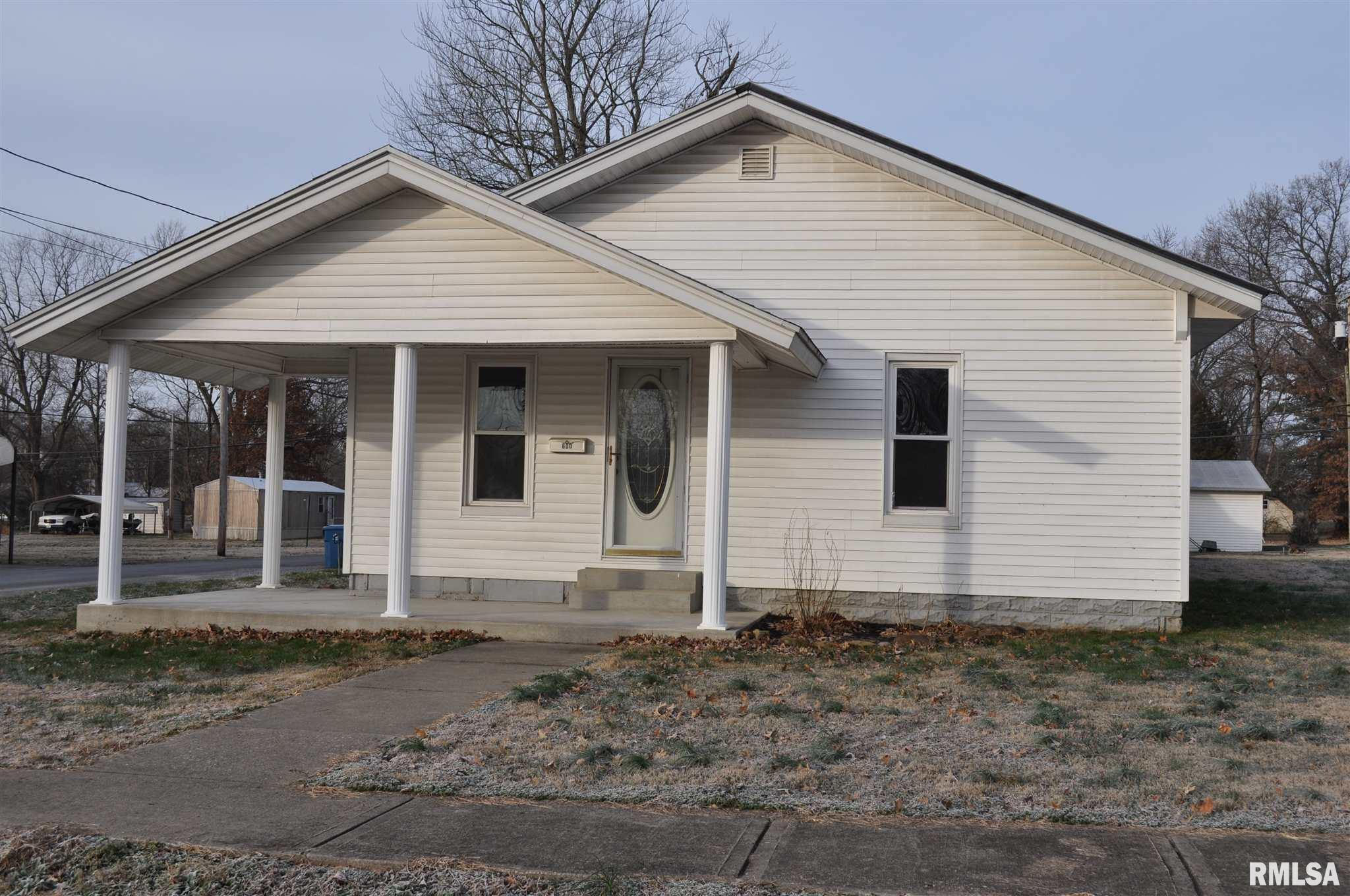 600 N PEARL Property Photo - McLeansboro, IL real estate listing