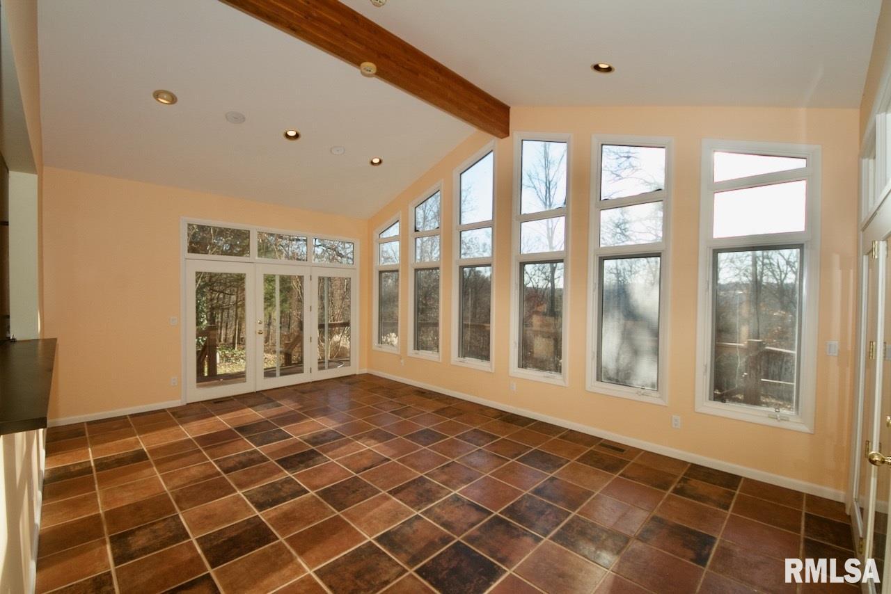 251 Deerfield Lane Property Photo 1