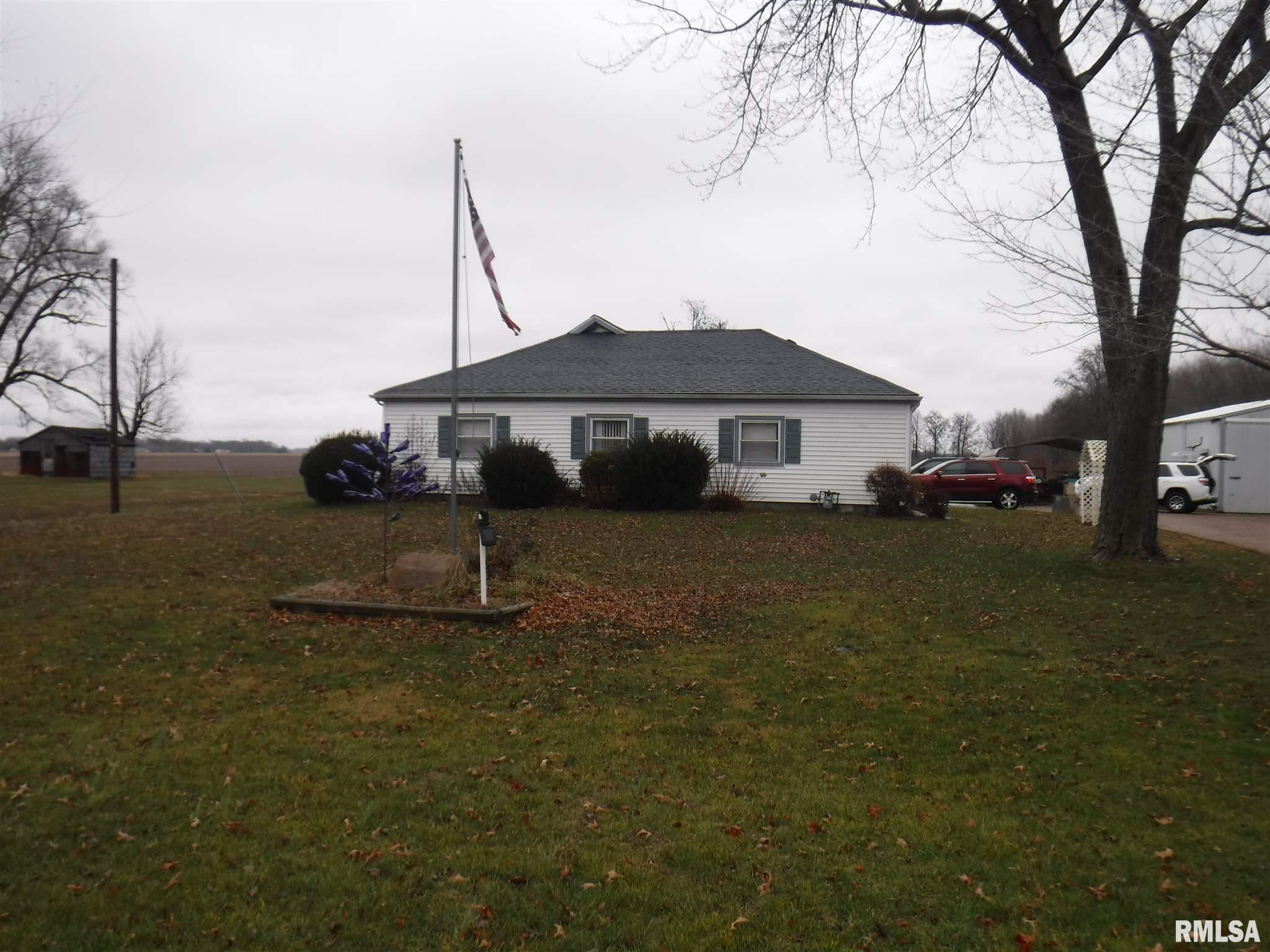 3382 Old 51 Property Photo - Sandoval, IL real estate listing