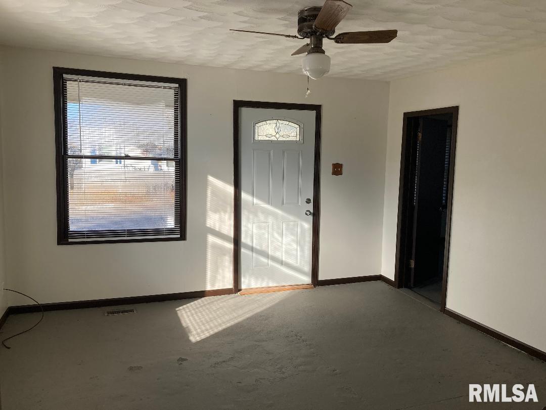 1307 N Barham Avenue Property Photo 1