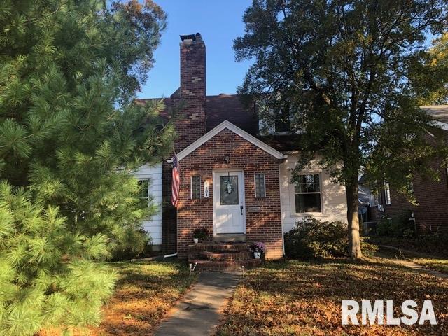 2204 W Walnut Street Property Photo 1