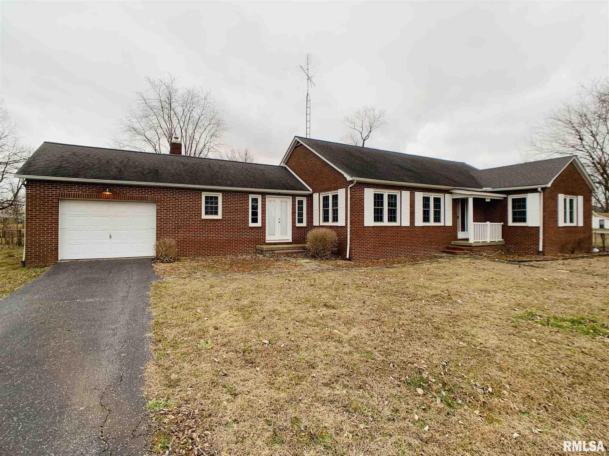 814 E MAIN Property Photo - Ridgway, IL real estate listing