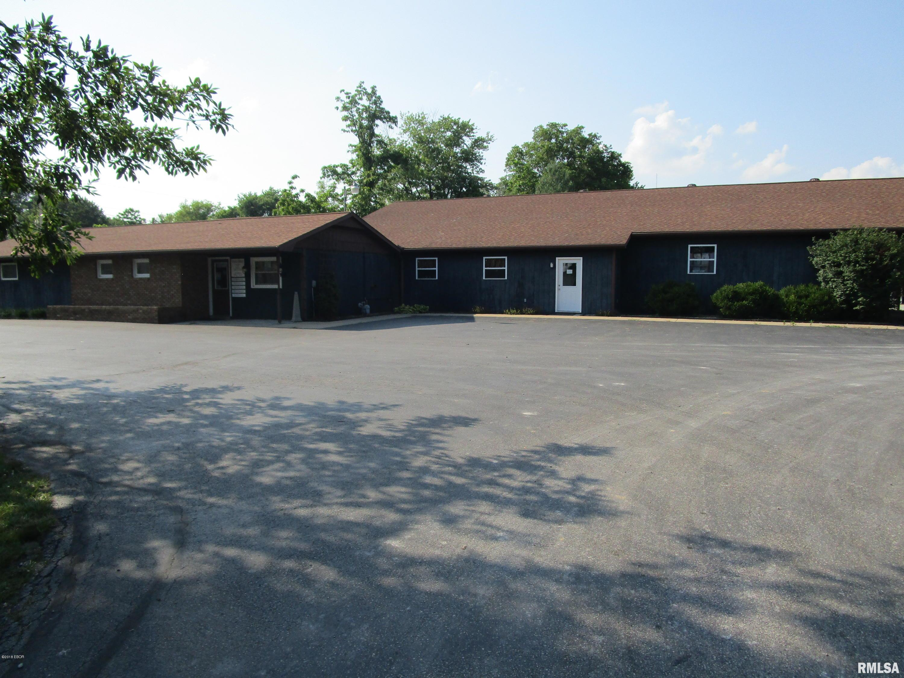 7811 Old Hwy 50 Property Photo - Flora, IL real estate listing