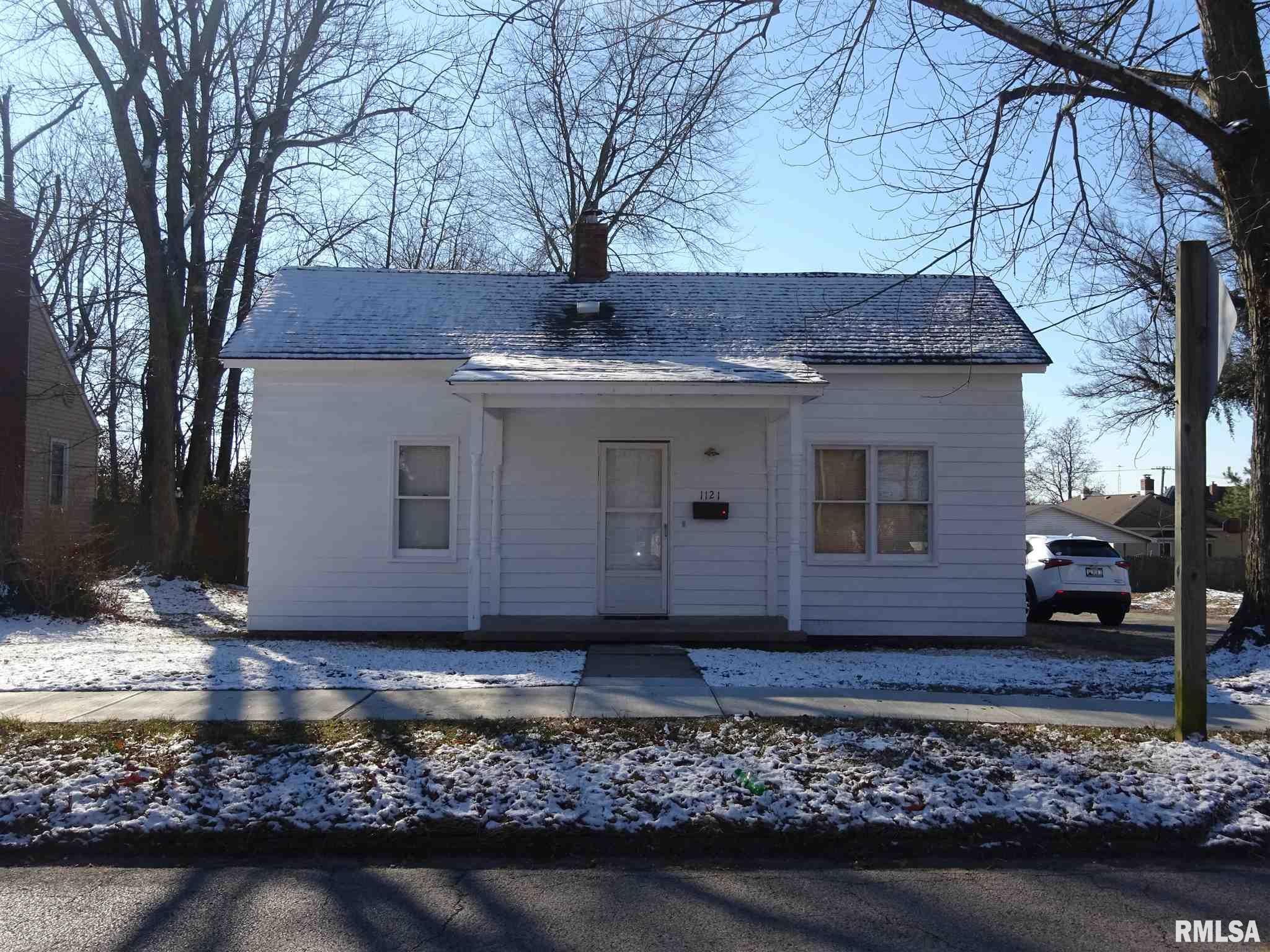 1121 BENTON Property Photo - Eldorado, IL real estate listing